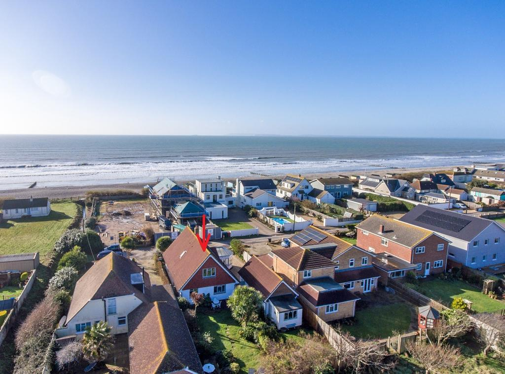 4 Bedrooms Detached House for sale in Coney Six, East Wittering, PO20