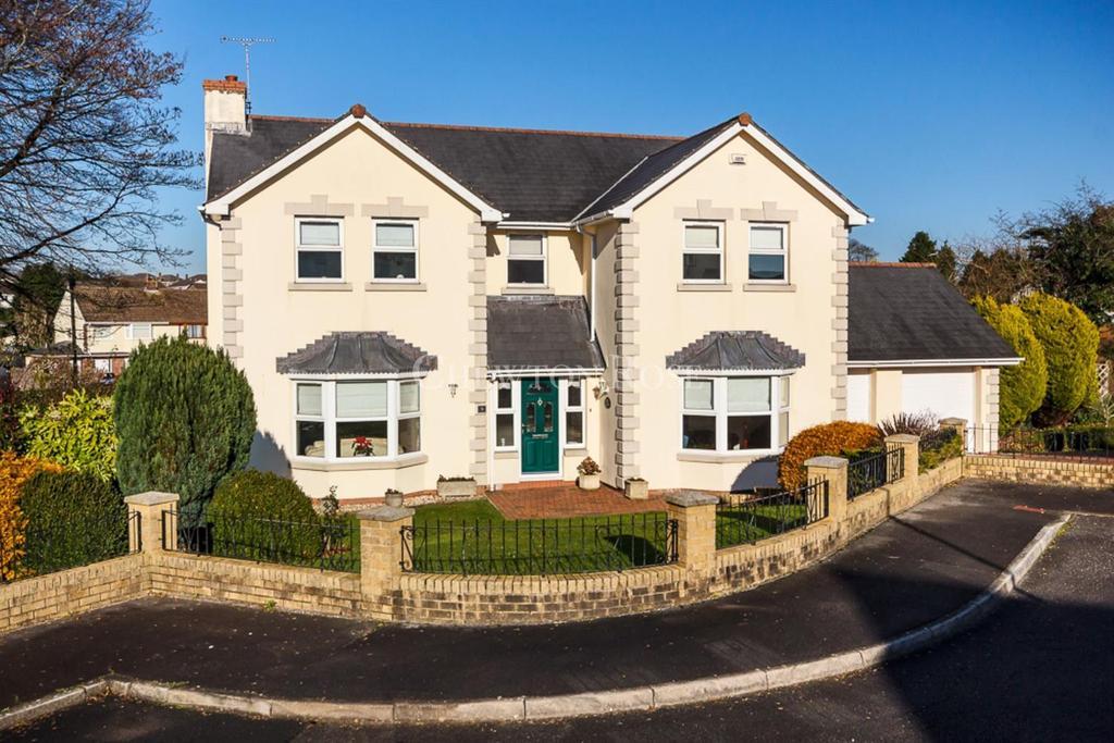 4 Bedrooms Detached House for sale in Laleston, Bridgend