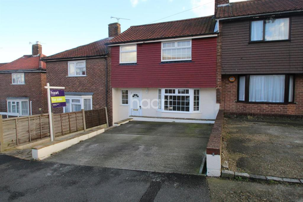 3 Bedrooms Terraced House for sale in Copperfield Road, Rochester