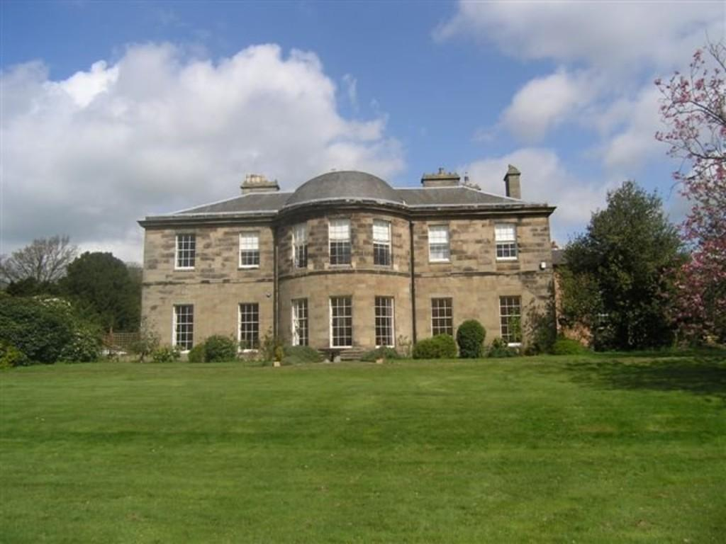 3 Bedrooms Apartment Flat for sale in Amington Hall, Ashby Road, Tamworth, B79 0BX