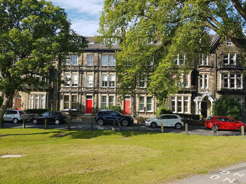2 Bedrooms Apartment Flat for sale in Strayside, Granby Road, Harrogate