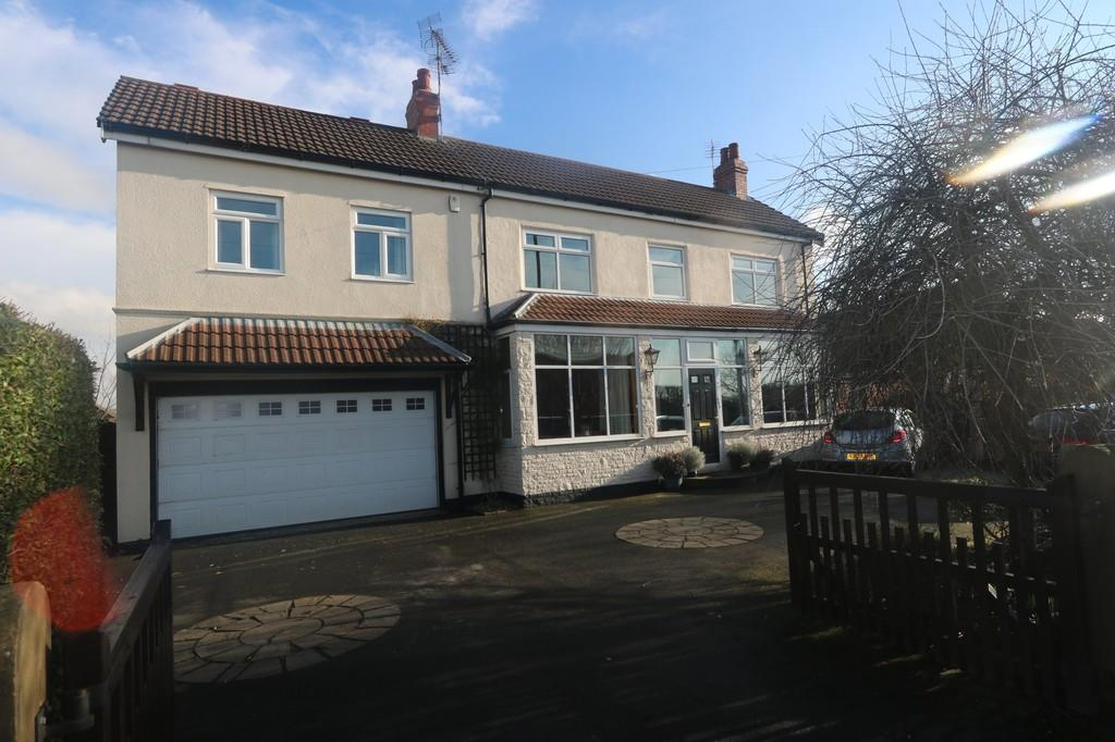 5 Bedrooms Detached House for sale in Fleetwood Road South, Thornton Cleveleys, Lancashire, FY5 5EA