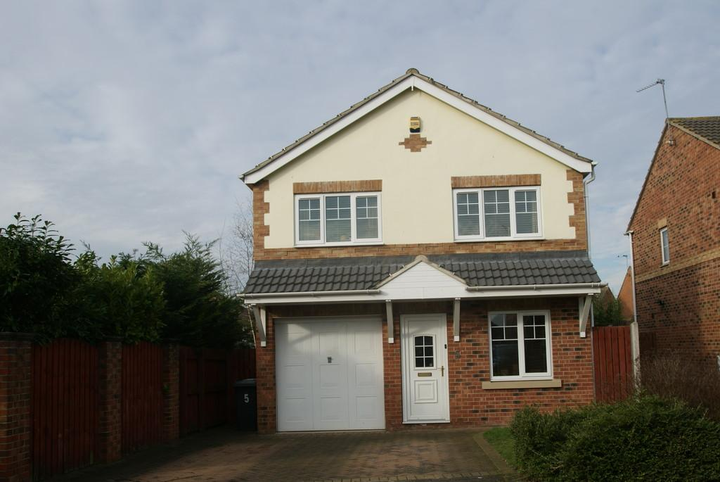 5 Bedrooms Detached House for sale in Cusworth Grove, Rossington
