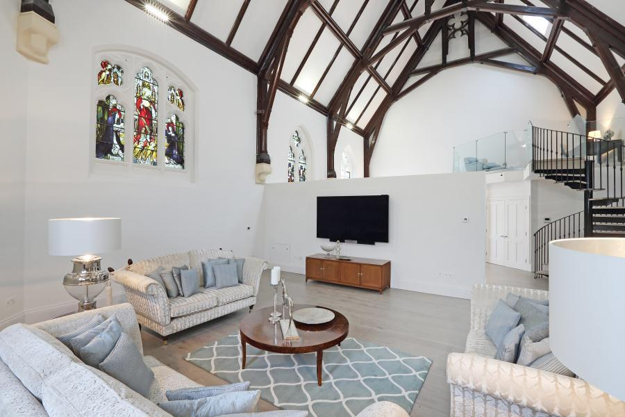 3 Bedrooms House for sale in The Chapel, Richmond Road, Isleworth TW7