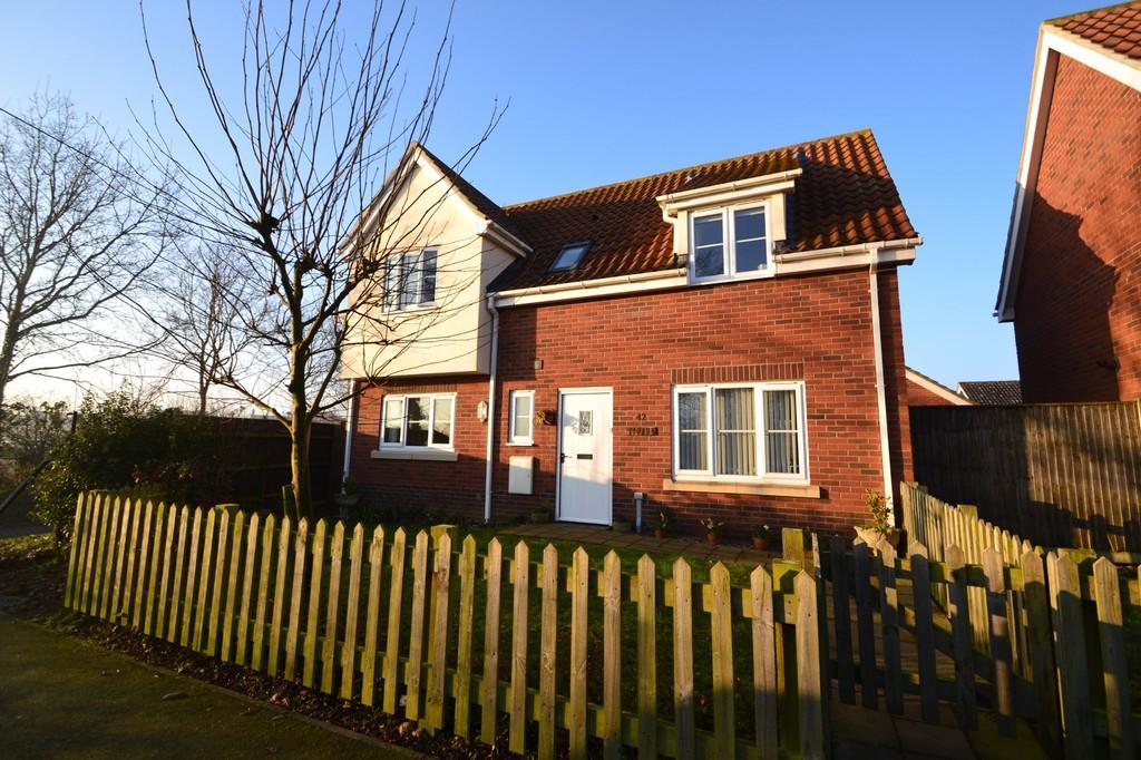 3 Bedrooms Detached House for sale in Victory Avenue, Poringland