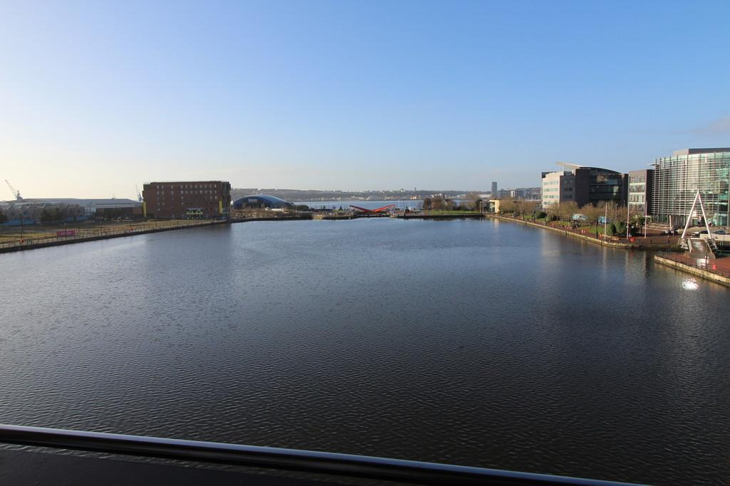 2 Bedrooms Apartment Flat for sale in Adventurers Quay, Cardiff Bay
