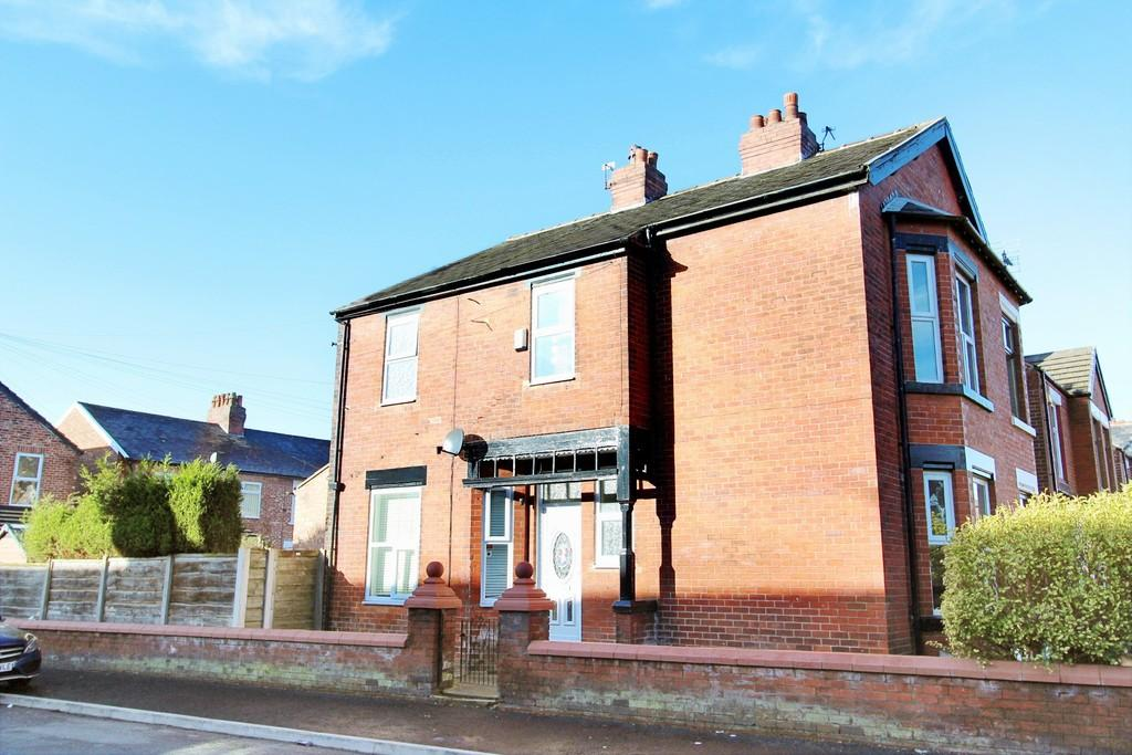 3 Bedrooms Semi Detached House for sale in Horace Grove, Heaton Norris