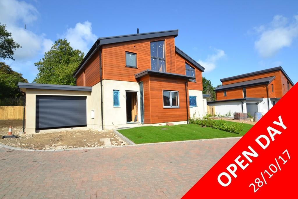 3 Bedrooms Semi Detached House for sale in Bullen Road, Ryde, Isle of Wight