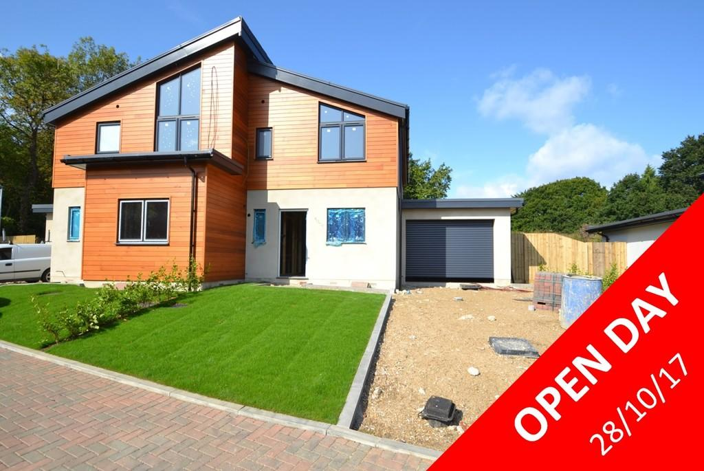 2 Bedrooms Semi Detached House for sale in Bullen Road, Ryde, Isle of Wight