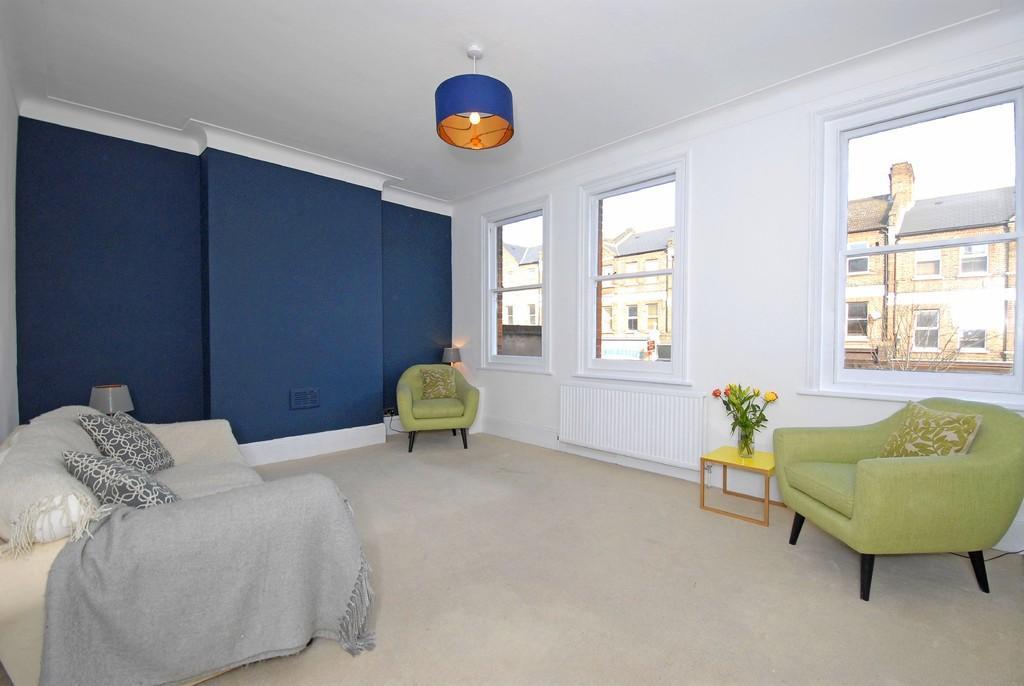 3 Bedrooms Flat for sale in Honor Oak Park, SE23