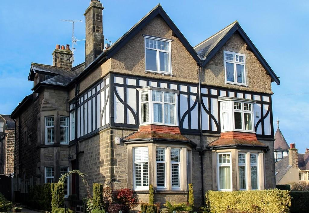 5 Bedrooms Semi Detached House for sale in Spring Grove, Harrogate, HG1 2HS