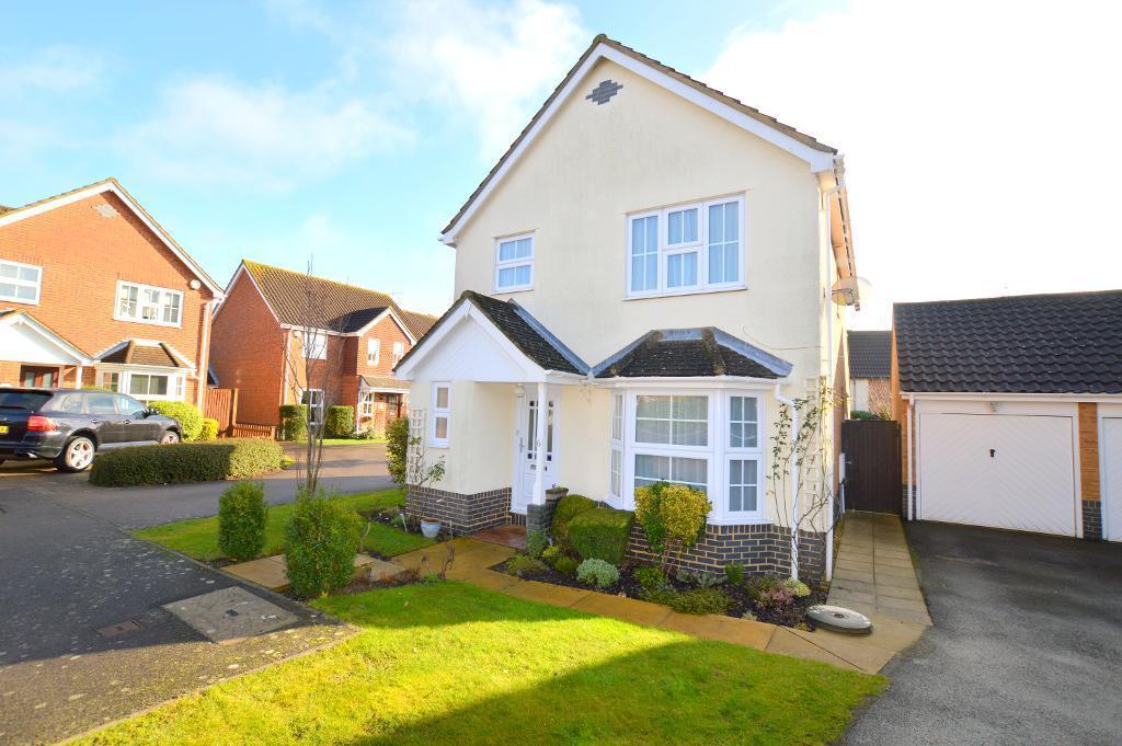 3 Bedrooms Detached House for sale in Saffron Close, Luton, LU2 7GF
