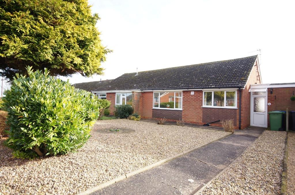 2 Bedrooms Semi Detached Bungalow for sale in High Leas, Nettleham