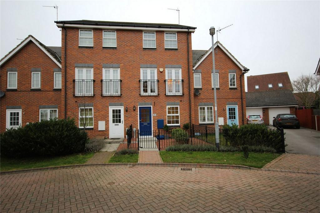 3 Bedrooms Town House for sale in Stubbs Close, Brough, East Riding of Yorkshire