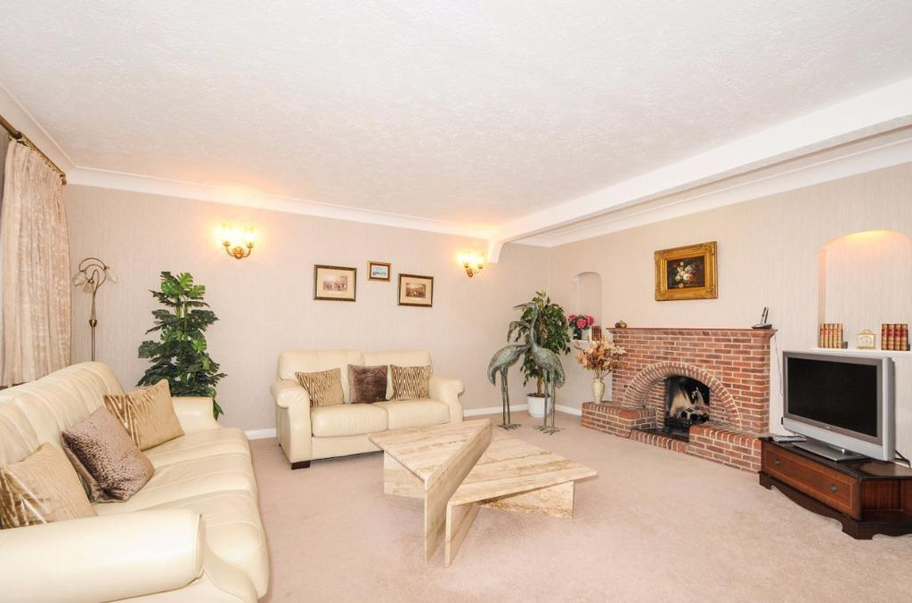 4 Bedrooms Detached House for sale in Withdean Crescent Brighton East Sussex BN1