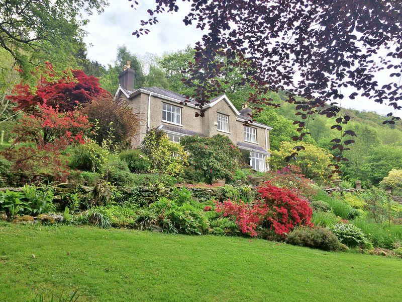 8 Bedrooms Country House Character Property for sale in Betws-y-Coed, Conwy