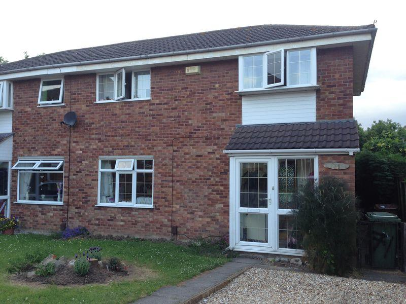 3 Bedrooms Semi Detached House for sale in Collingwood Crescent, Grimsby