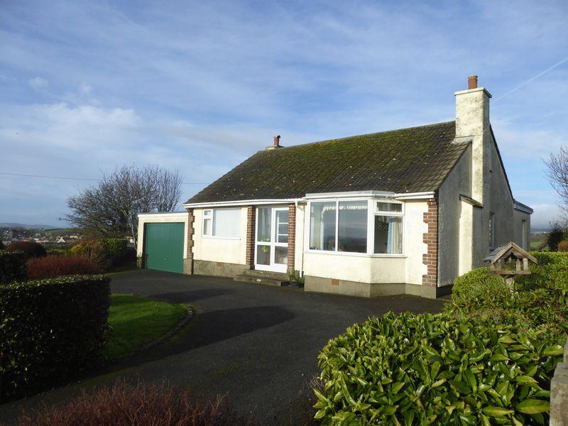 3 Bedrooms Detached Bungalow for sale in Douglas Road, Isle Of Man