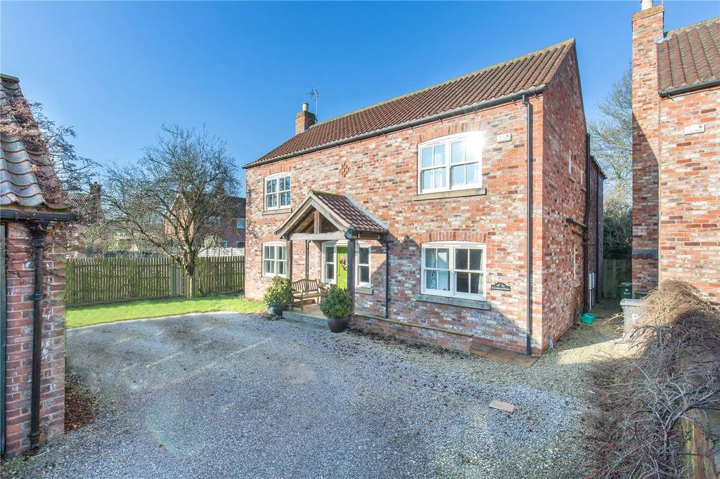 5 Bedrooms Detached House for sale in Bridge Garth, Heslington, York, YO10