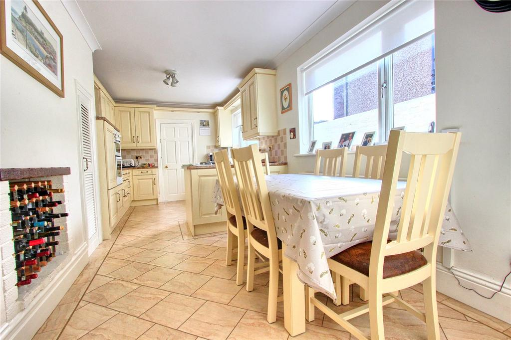 4 Bedrooms Terraced House for sale in High Street, Eston
