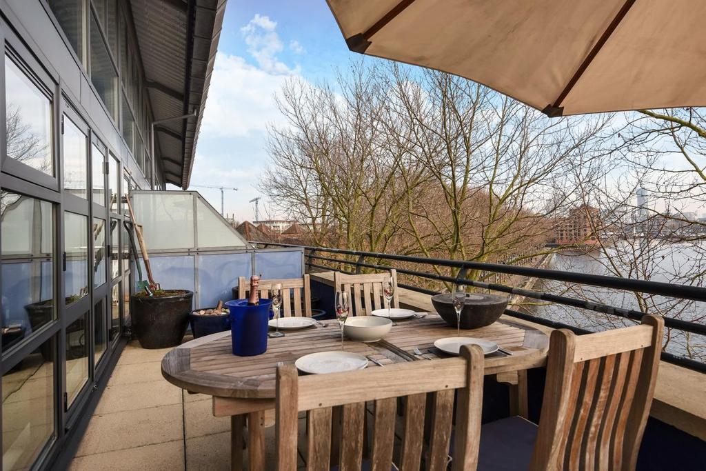 2 Bedrooms Penthouse Flat for sale in Brunswick Quay, Surrey Quays, SE16