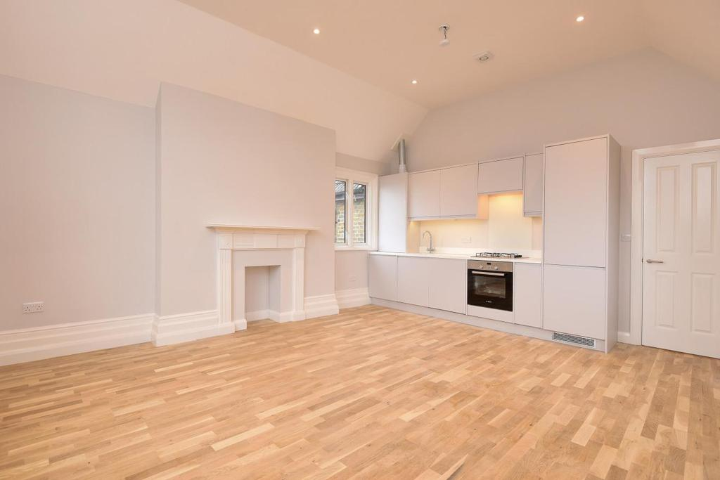 3 Bedrooms Flat for sale in Muswell Road, Muswell Hill