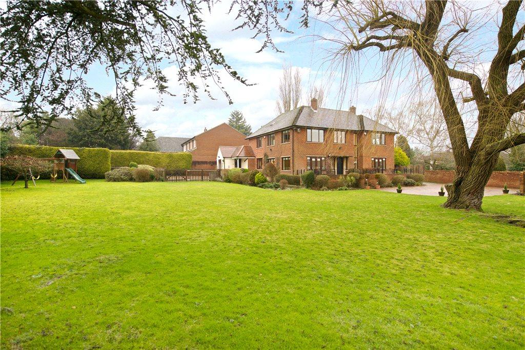5 Bedrooms Detached House for sale in Stratford Drive, Wootton, Northampton, Northamptonshire