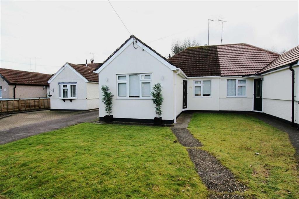 2 Bedrooms Semi Detached House for sale in Potash Road, Billericay, Essex, CM11 1DJ