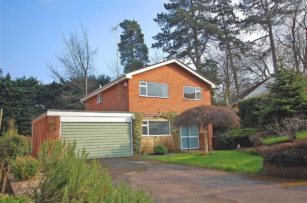 4 Bedrooms Detached House for sale in Riverside Close, Charlton Kings, Cheltenham, GL52