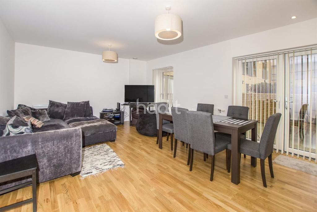 2 Bedrooms Flat for sale in Falcondale Court, NW10