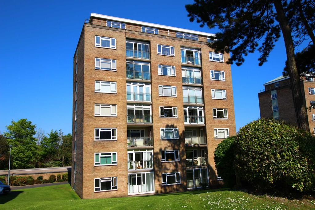 2 Bedrooms Flat for sale in Compton Place Road, Eastbourne, BN21 1EF
