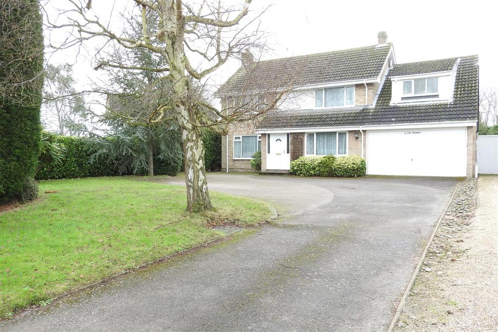 4 Bedrooms Detached House for sale in The Spinney, Hatfield Peverel, Chelmsford