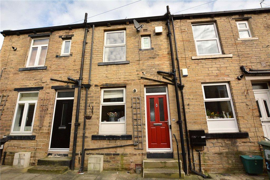 2 Bedrooms Terraced House for sale in Providence Street, Farsley, Pudsey, West Yorkshire