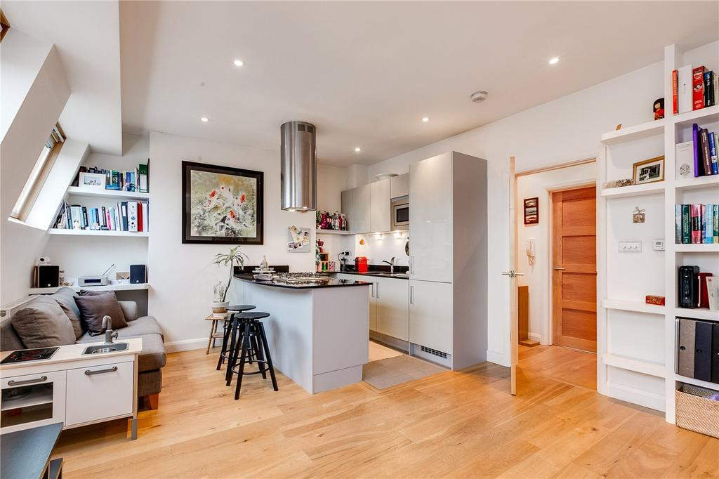 1 Bedroom Flat for sale in Lancaster Road, London