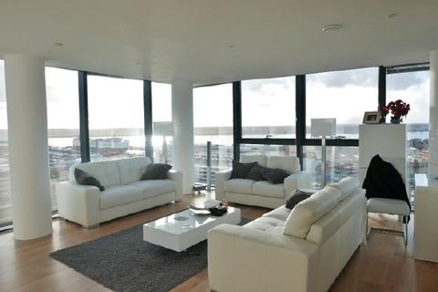 2 bedroom flat to rent - MORESBY TOWER - OCEAN VILLAGE - FURN