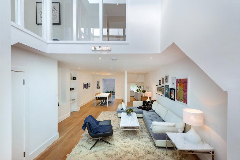 2 Bedrooms Flat for sale in Gillespie Road, Highbury, London