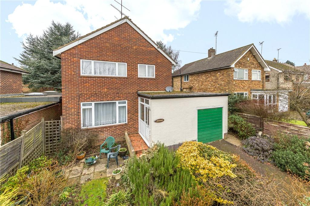 3 Bedrooms Detached House for sale in Common Lane, Harpenden, Hertfordshire
