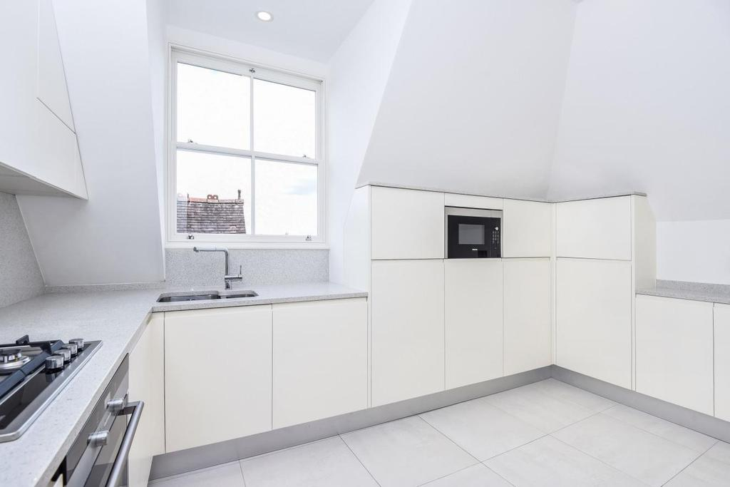 2 Bedrooms Flat for sale in Shepherds Hill, Highgate, N6