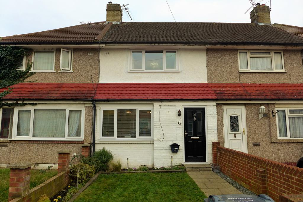 3 Bedrooms Terraced House for sale in Devonshire Road, Feltham