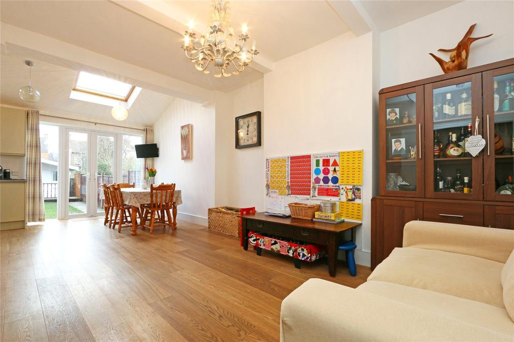4 Bedrooms Terraced House for sale in Hepworth Road, London, SW16