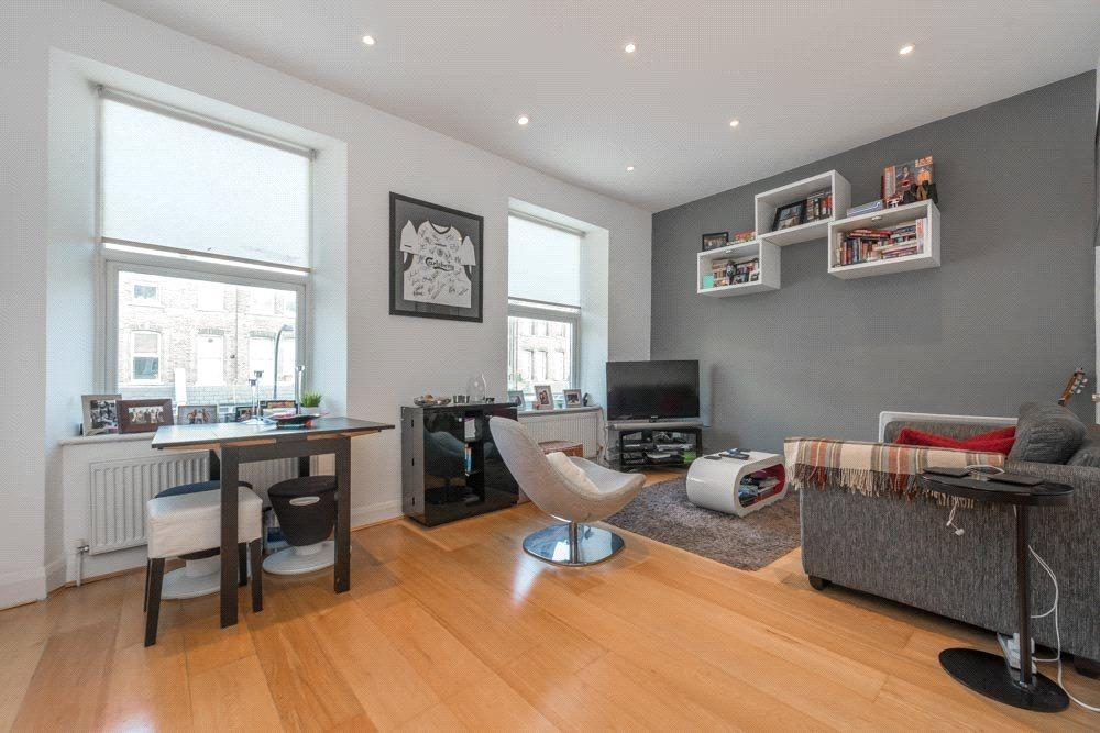 2 Bedrooms Flat for sale in Maygrove Road, London, NW6