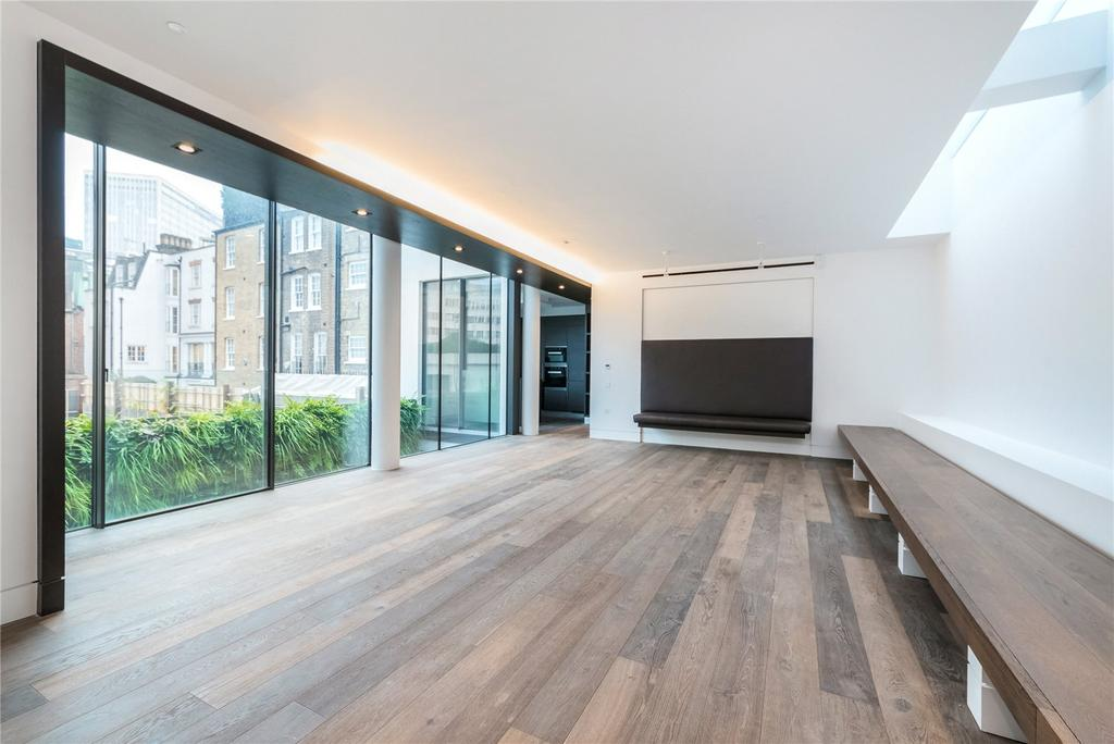 3 Bedrooms Flat for sale in Buckingham Gate, London, SW1E