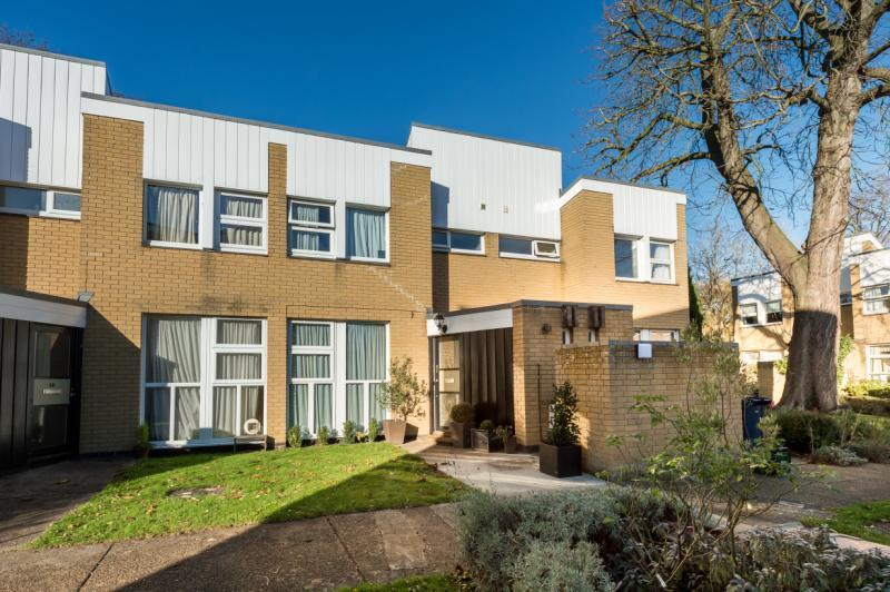 3 Bedrooms Terraced House for sale in The Paddox, Oxford, Oxfordshire