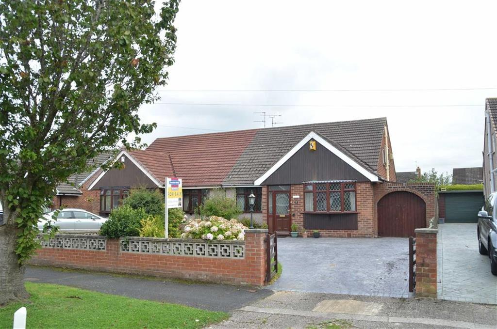 3 Bedrooms Semi Detached Bungalow for sale in Buttermere Avenue, Ellesmere Port