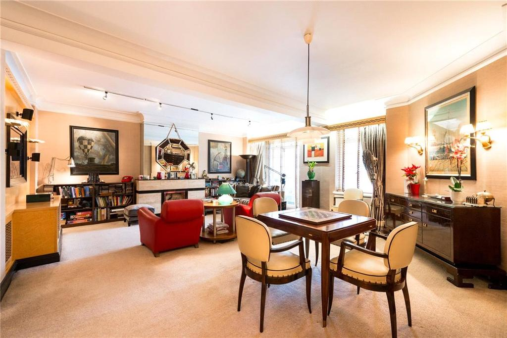2 Bedrooms Flat for sale in Dorset House, Gloucester Place, Marylebone, London, NW1