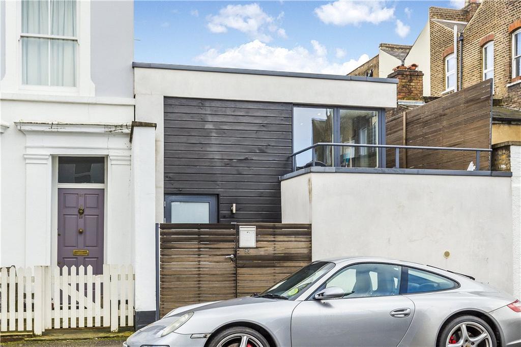 2 Bedrooms Semi Detached House for sale in Ulverscroft Road, East Dulwich, London, SE22