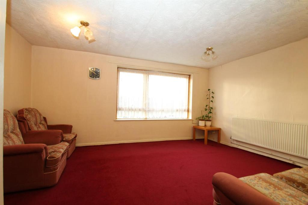 3 Bedrooms Maisonette Flat for sale in Fothergill Close, Plaistow