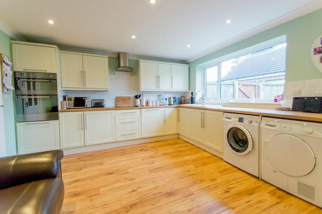 3 Bedrooms Detached House for sale in High Catton Road, Stamford Bridge, York