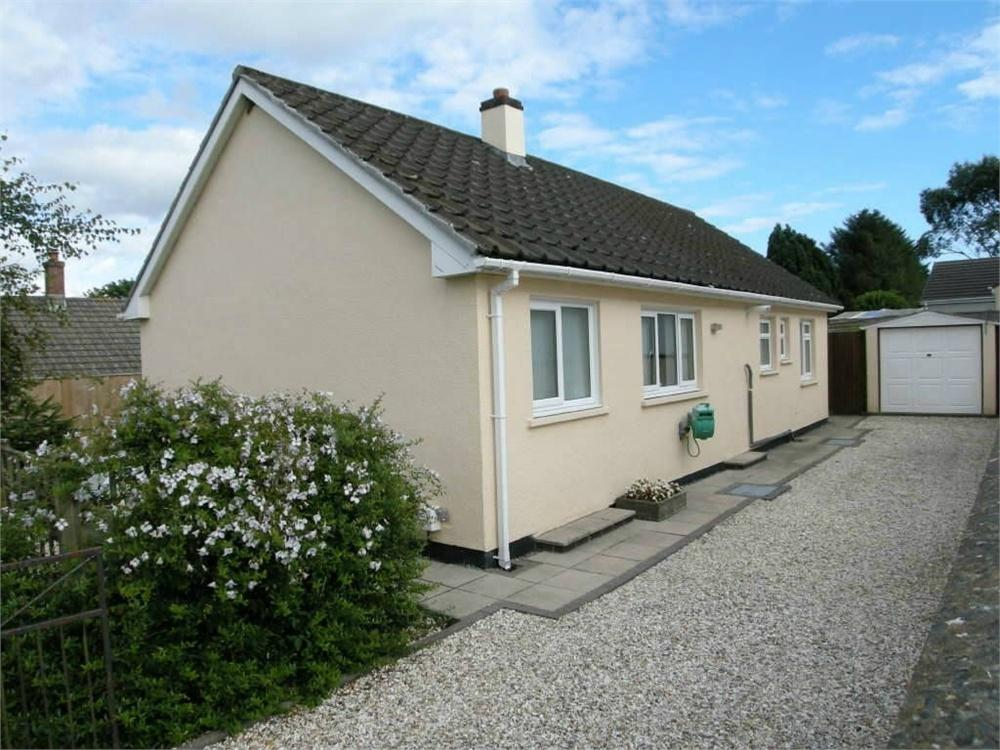 2 Bedrooms Detached House for sale in 3 Meadow Park, Treffgarne, Haverfordwest, Pembrokeshire