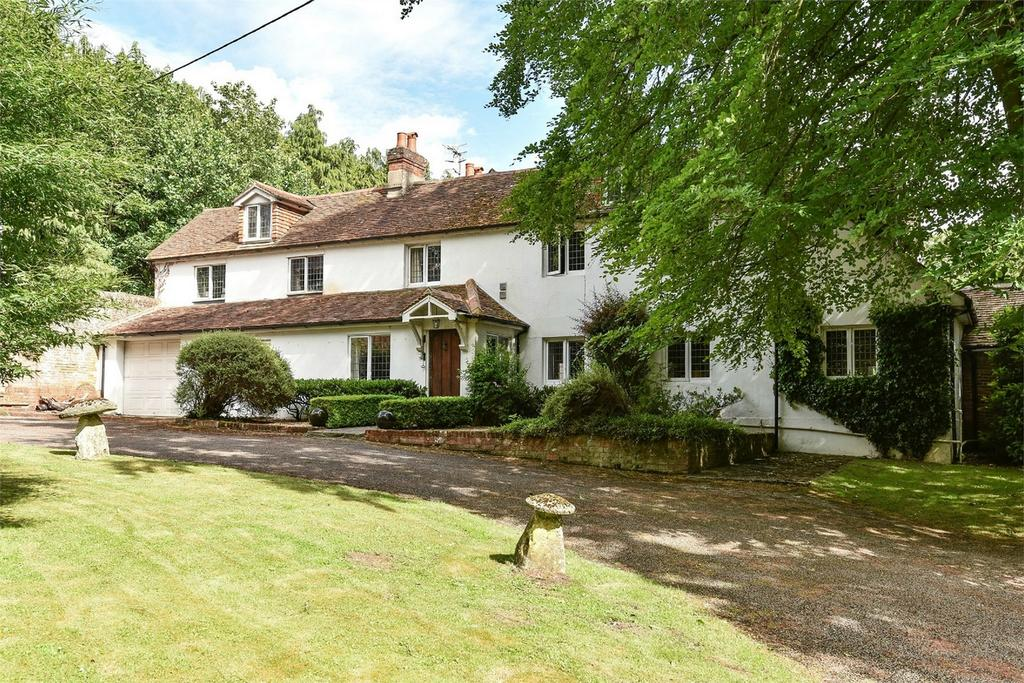 5 Bedrooms Detached House for sale in Kempshott Park, Dummer, Hampshire